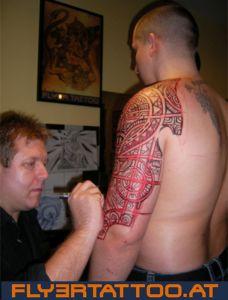 Tattoo Artist Gheorghe Carp- Neotribal zeichnen