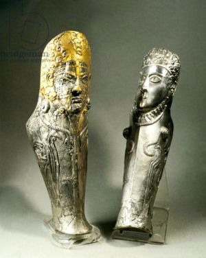 Gilded silver greaves from the Agighiol treasure